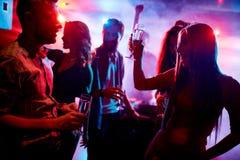 Danse et boire Photo libre de droits