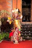 Danse et Ramayana de Legong par les troupes de Bina Remaja images libres de droits