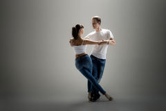 Danse för pardanssamkväm Royaltyfri Foto