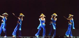 Danse folklorique chinoise : Lune de loquet Photo stock