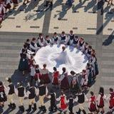 Danse folklorique hongroise images libres de droits