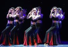 Danse folklorique nationale de danse-Le folklorique de fleur-Dai de fille Image libre de droits