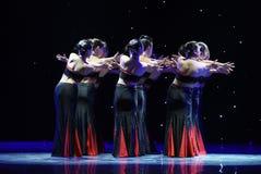Danse folklorique nationale de danse-Le folklorique douce et gracieuse de chiffre-Dai Images libres de droits
