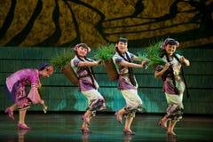 Danse folklorique : plantation du riz Photographie stock
