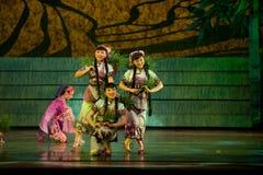 Danse folklorique : plantation du riz Photographie stock libre de droits