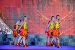 Danse folklorique sur le festival de lanterne Photographie stock libre de droits