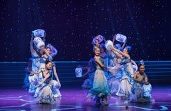 Danse folklorique Vase-chinoise de Fée-porcelaine de porcelaine Photos libres de droits