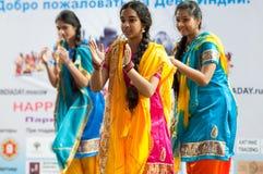 Danse indiano di anni dell'adolescenza Immagine Stock Libera da Diritti