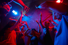 Danse pendant la nuit Photographie stock
