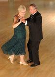 Danse supérieure de couples photos libres de droits