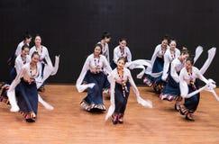 Danse tibétaine de Guozhuang 15-Chinese - répétition d'enseignement au niveau de département de danse image libre de droits