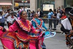 Dansen för 2015 NYC ståtar 10 Fotografering för Bildbyråer