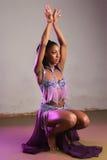 Dansen poserar Arkivfoto
