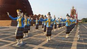 Dansen ståtar skulptur Arkivfoton