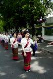 dansen utför den thai traditionella kvinnan Royaltyfri Fotografi