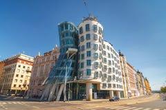 Dansend Huis - de moderne die bouw door Vlado Milunic en Frank O wordt ontworpen Gehry, Praag Royalty-vrije Stock Afbeeldingen