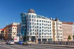 Dansend Huis - de moderne die bouw door Vlado Milunic en Frank O wordt ontworpen Gehry, Praag Royalty-vrije Stock Fotografie