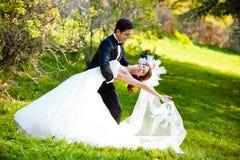 Dansend huwelijkspaar stock foto