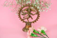 Dansend Lord Shiva-beeldje stock foto's
