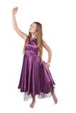 Dansend meisje in violette kleding Stock Fotografie