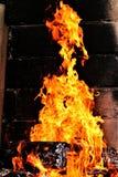 Dansende brand, die warmte, voedsel, comfort, het leven geven stock foto's