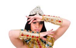 Dansende faraovrouw die een Egyptisch kostuum dragen. Stock Foto
