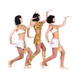 Dansende faraovrouwen die een Egyptisch kostuum dragen. Royalty-vrije Stock Foto
