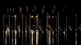 Dansende fonteinen met licht-episode 6 stock videobeelden