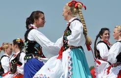 Dansende Hongaarse Meisjes stock afbeelding