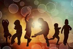 Dansende kinderensilhouetten Stock Foto