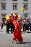Danser op stelten in Wenen, Oostenrijk royalty-vrije stock foto