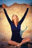 Danser in zand Stock Fotografie