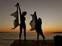 Dansers in de zonsondergang Royalty-vrije Stock Fotografie