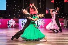 Dansers het dansen standaarddans Royalty-vrije Stock Foto's