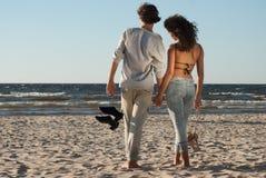 Dansers op het strand Royalty-vrije Stock Foto's