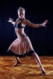 Danseur dans la salle de bal image libre de droits
