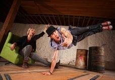 Danseur de rupture en mi air Photo stock