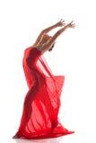 Danseur gracieux posant la nudité avec le tissu rouge Photos stock