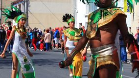 Danseur mexicain au carnaval de Limoux en Aude, France clips vidéos