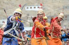 Danseurs dans des costumes historiques Image stock