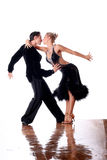 Danseurs dans la salle de bal Image stock