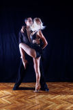 Danseurs dans la salle de bal Photo libre de droits