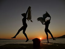 Danseurs dans le coucher du soleil 1 Image stock