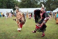 Danseurs de prisonnier de guerre de natif américain wouah image libre de droits
