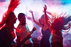 Danseurs enthousiastes Photographie stock libre de droits