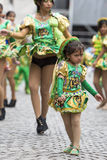 Danseurs exécutant pour l'ouverture de carnaval de Salta, Argentine Image libre de droits