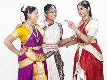 Danseurs féminins classiques indiens Photo stock