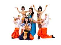 Danseurs habillés dans la pose égyptienne de costumes Image stock
