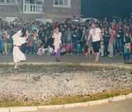 Dansez sur les charbons chauds sur des jeux de Nestenar dans le village des Bulgares Photos libres de droits