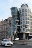 Danshuset i Prague i stilen av deconstruction royaltyfria bilder